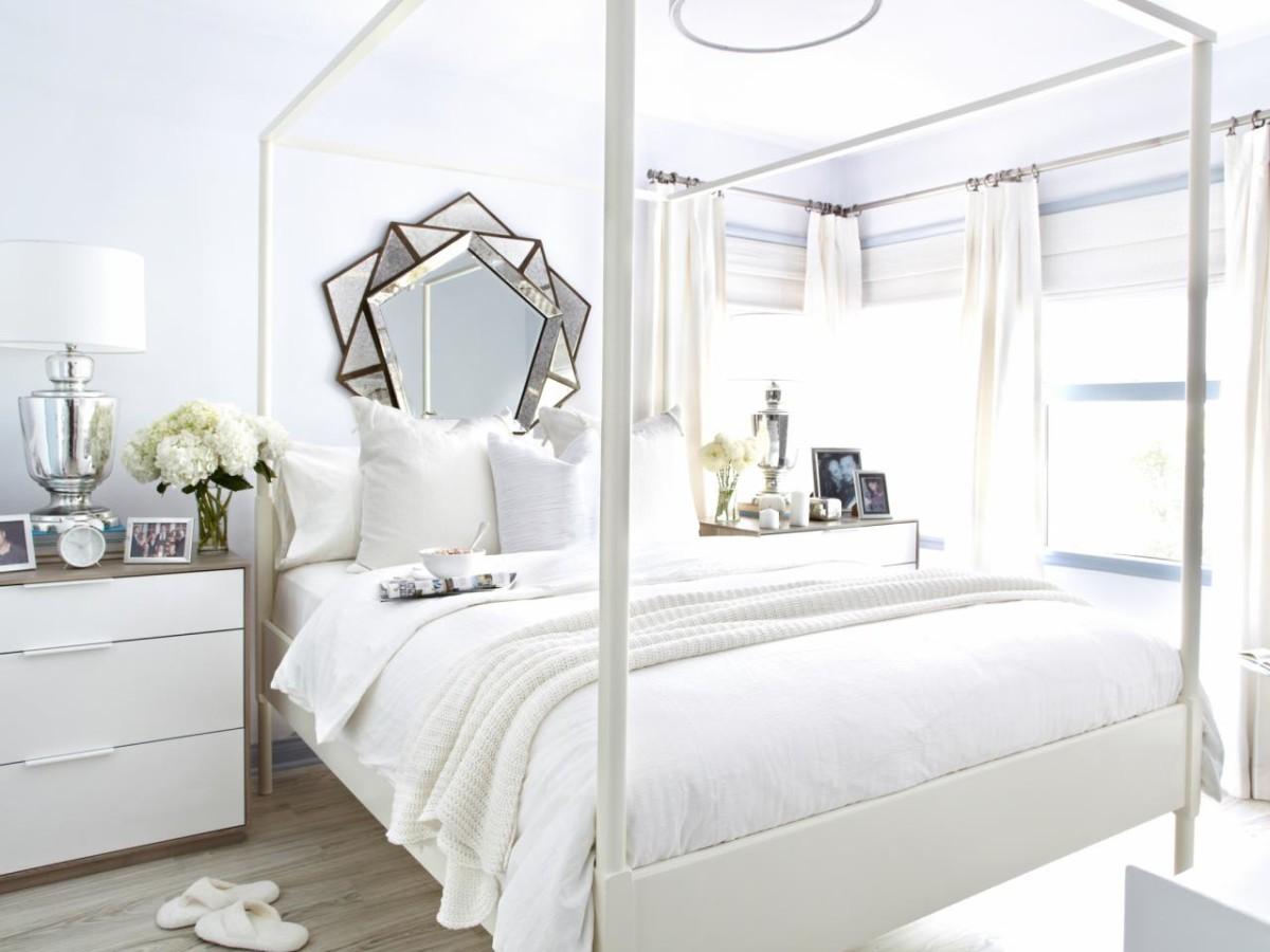 Спальня в  цветах:   Бежевый, Белый, Коричневый, Серый.  Спальня в  стиле:   Минимализм.