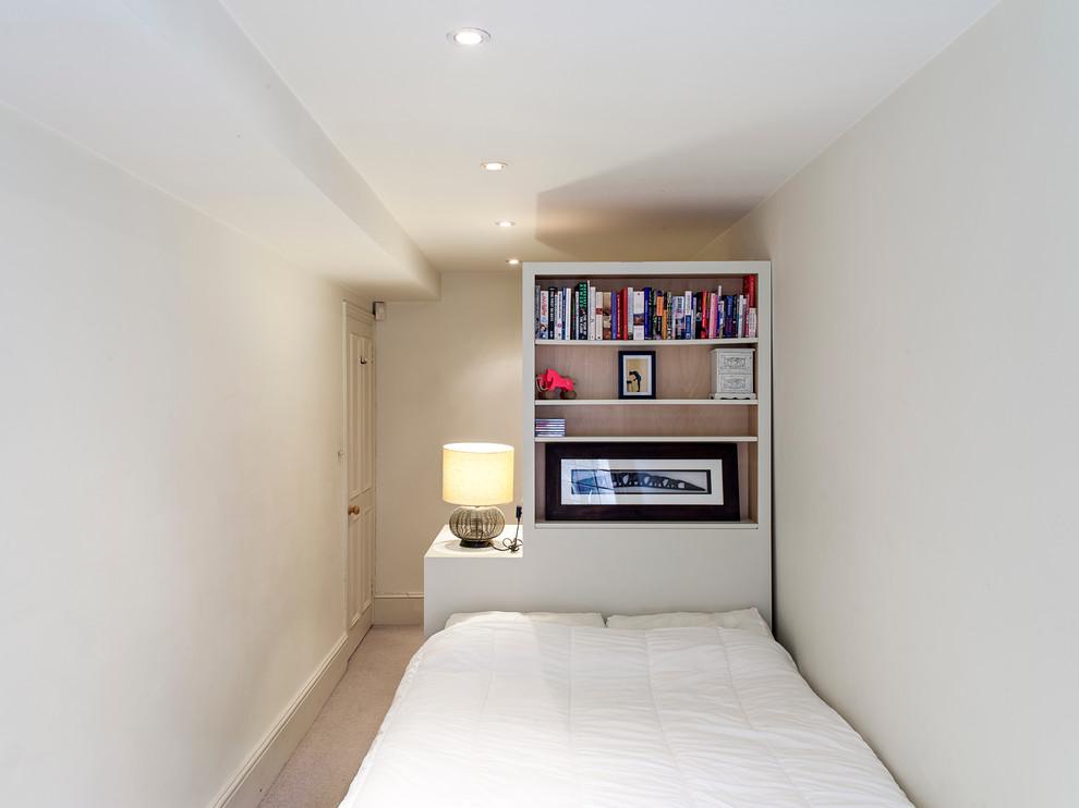 Спальня в  цветах:   Бежевый, Белый, Светло-серый, Серый.  Спальня в  стиле:   Скандинавский.