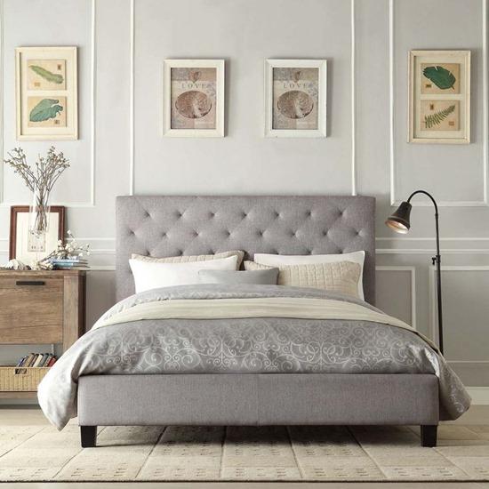Спальня в  цветах:   Белый, Коричневый, Светло-серый.  Спальня в  стиле:   Минимализм.
