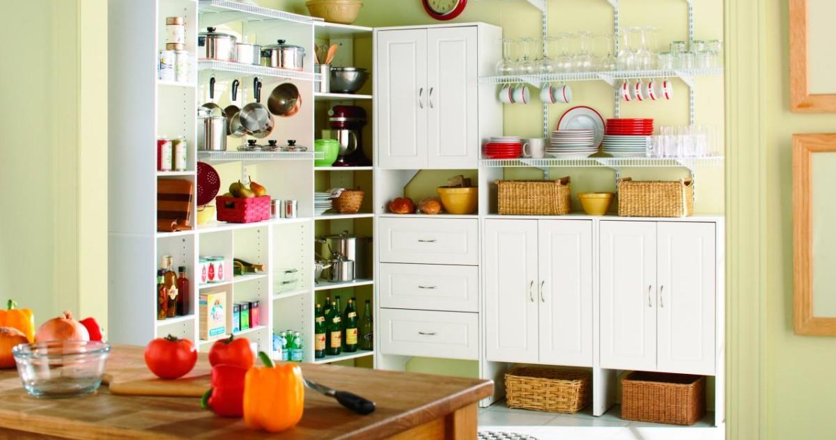 Куда всё сложить: 15 идей хранения для маленьких квартир