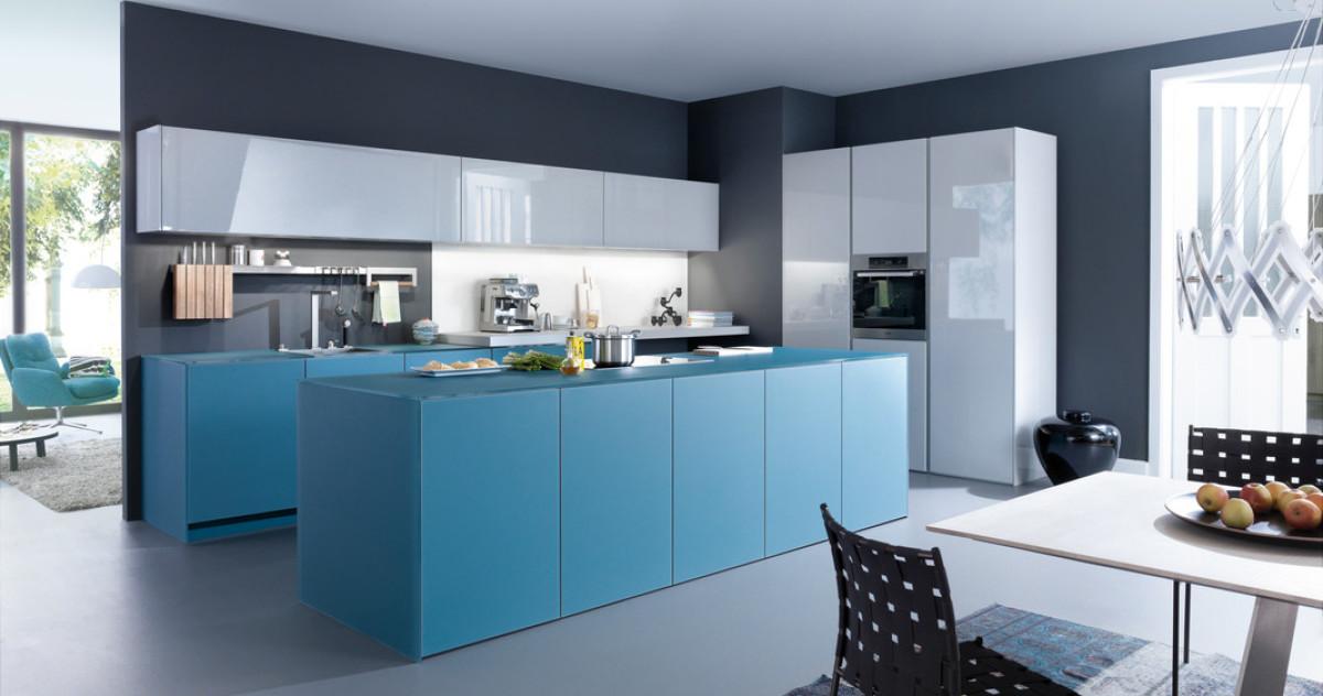 Для тех, кто хочет быть в тренде: 20 синих кухонь