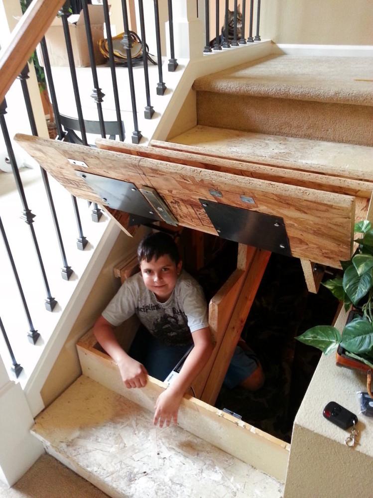 Лестница в цветах: коричневый, бежевый. Лестница в стиле американский стиль.