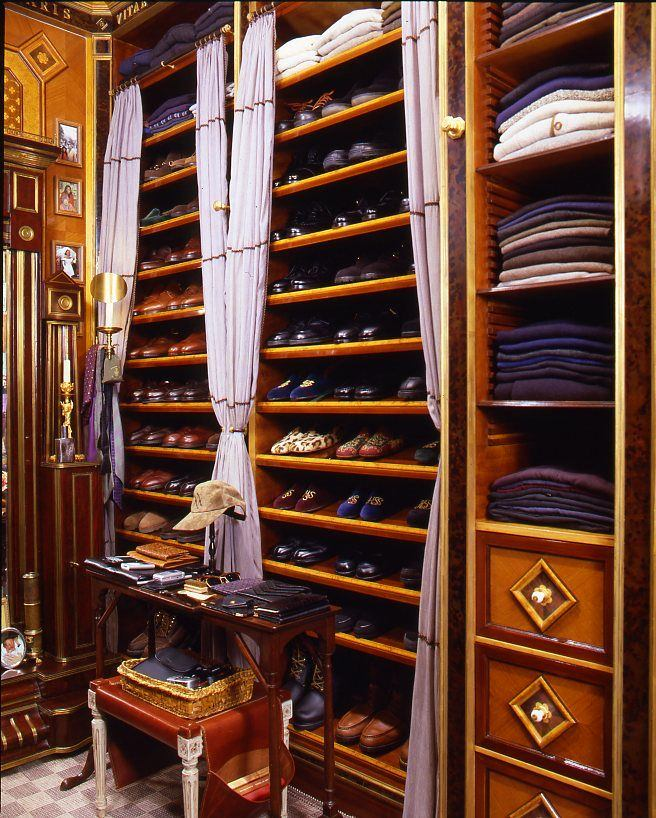 Мебель и предметы интерьера в цветах: черный, темно-коричневый, коричневый, бежевый. Мебель и предметы интерьера в .