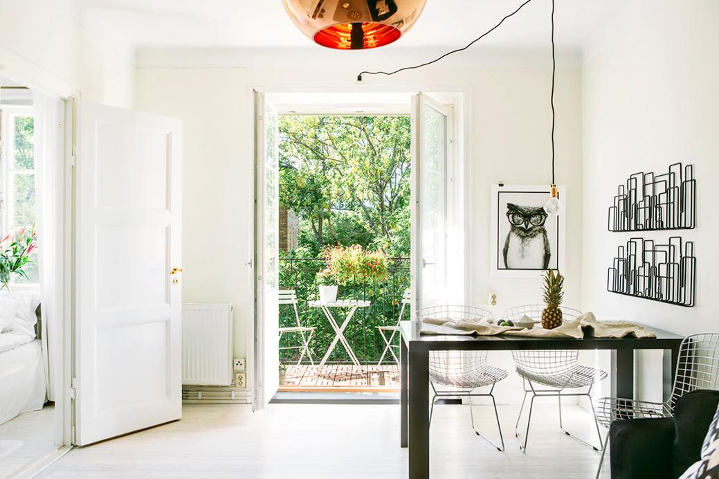Кухня в цветах: серый, светло-серый, темно-зеленый. Кухня в стиле скандинавский стиль.