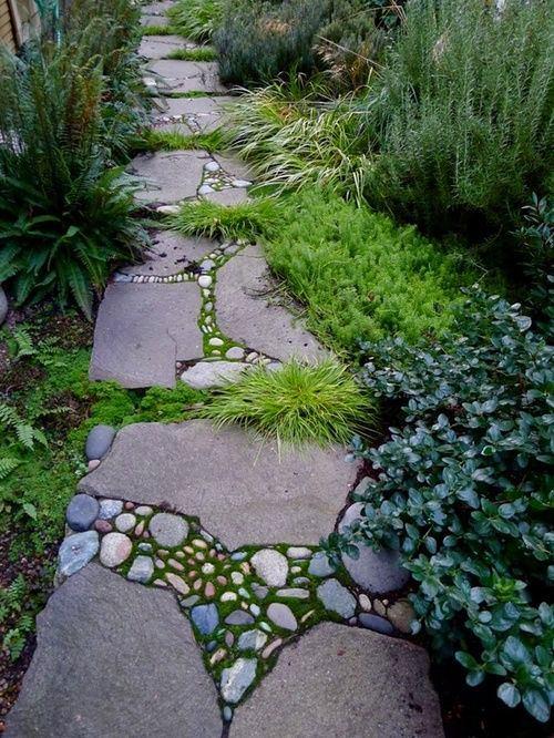 Ландшафт в цветах: серый, темно-зеленый, сине-зеленый. Ландшафт в стиле экологический стиль.