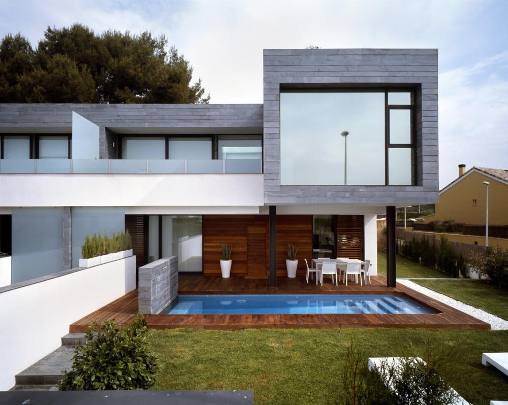 Архитектура в цветах: черный, серый, светло-серый, белый. Архитектура в стиле минимализм.