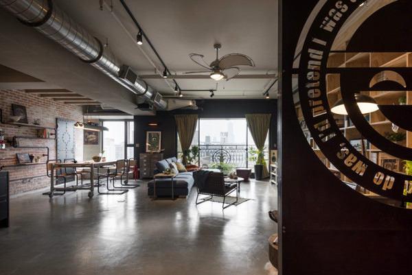 Гостиная, холл в цветах: серый, светло-серый, белый, коричневый. Гостиная, холл в стиле лофт.