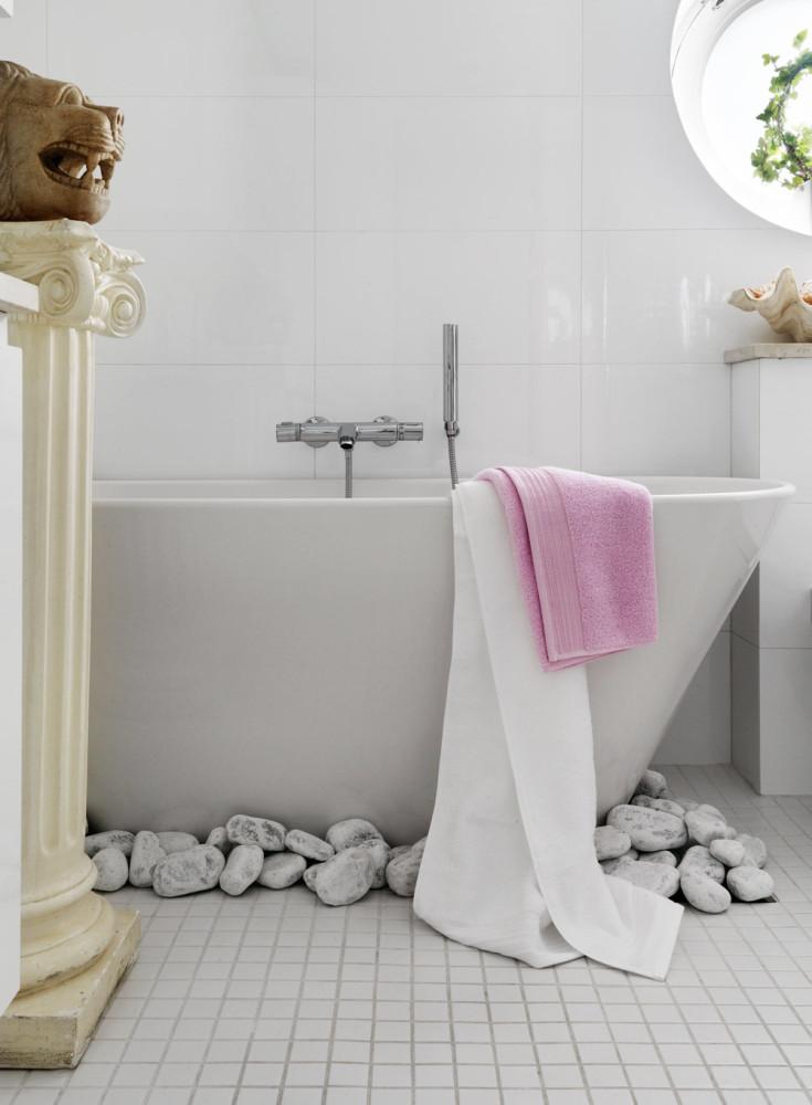 Туалет в цветах: черный, серый, светло-серый, белый, бежевый. Туалет в стилях: ближневосточные стили, средиземноморский стиль, этника, эклектика.