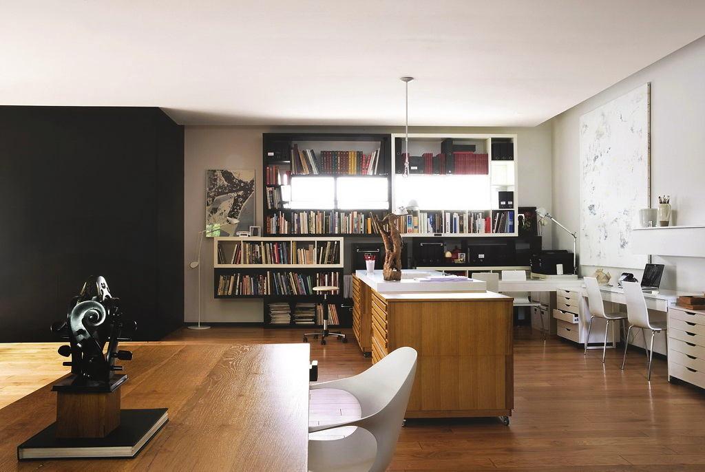 Гостиная, холл в цветах: черный, серый, светло-серый, коричневый. Гостиная, холл в стилях: французские стили, лофт.