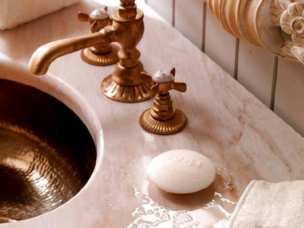 Туалет в цветах: черный, светло-серый, темно-коричневый, коричневый, бежевый. Туалет в стиле дальневосточные стили.