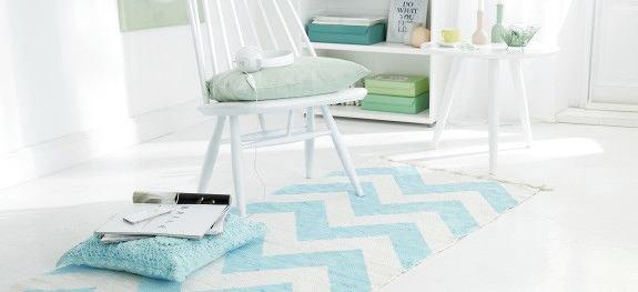 Мебель и предметы интерьера в цветах: голубой, светло-серый, белый. Мебель и предметы интерьера в стиле скандинавский стиль.