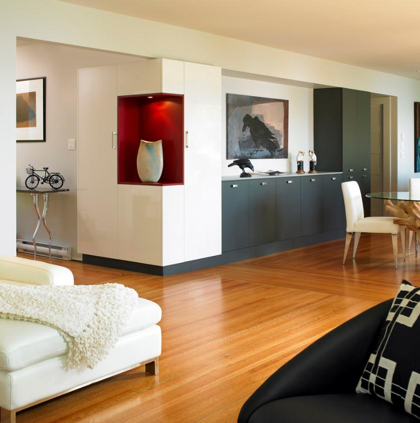 Кухня в цветах: черный, серый, белый, бордовый, коричневый. Кухня в стиле минимализм.