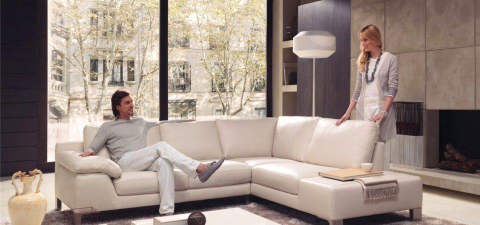 Как разместить в гостиной всё необходимое: 7 актуальных советов