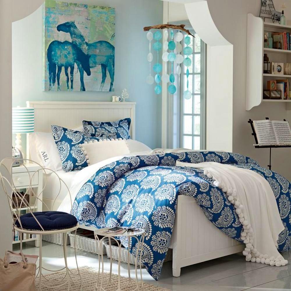 Спальня в цветах: голубой, бирюзовый, светло-серый, белый. Спальня в .