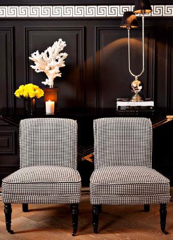 Мебель и предметы интерьера в цветах: серый, светло-серый, белый, темно-коричневый. Мебель и предметы интерьера в стилях: модерн и ар-нуво.