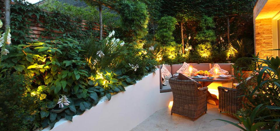 20 простых и эффектных идей по освещению летнего сада: правила светодизайна