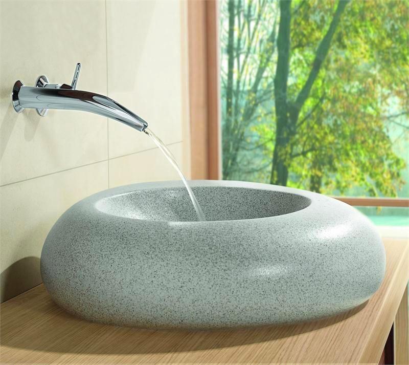 Ванная в цветах: серый, светло-серый, белый, салатовый. Ванная в стилях: минимализм, экологический стиль.