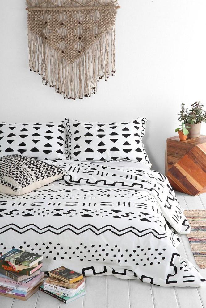 Мебель и предметы интерьера в цветах: серый, белый, коричневый. Мебель и предметы интерьера в стилях: этника.