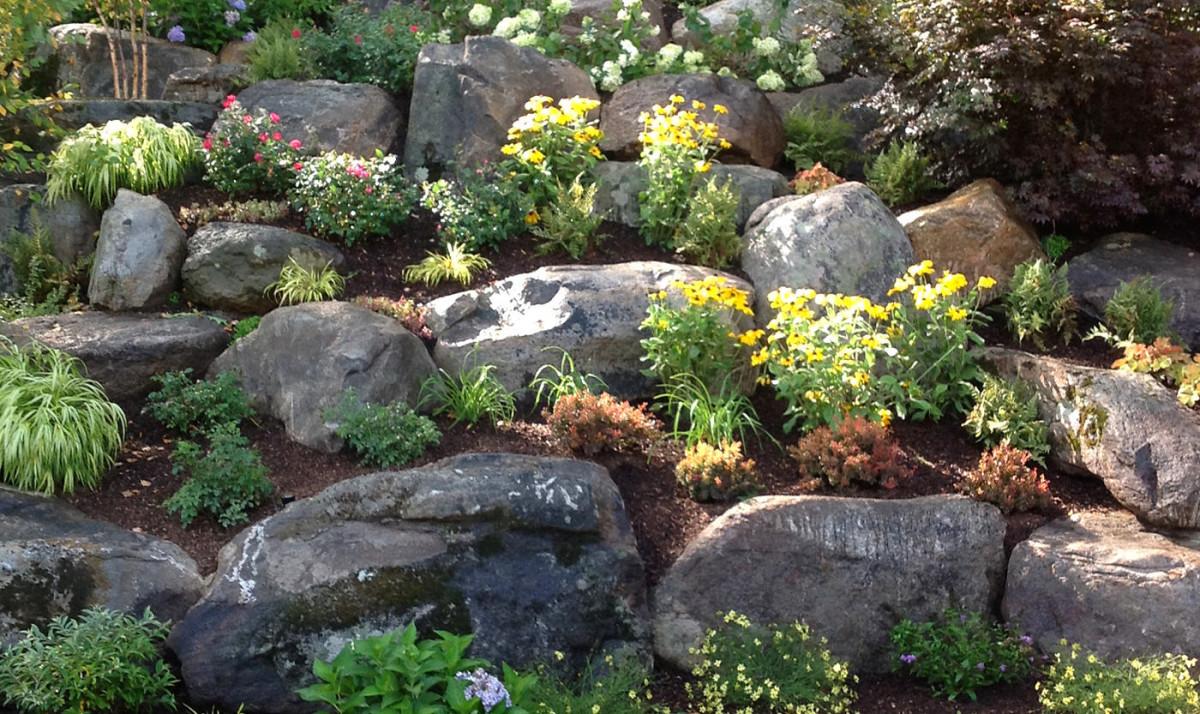 Ландшафт в цветах: серый, светло-серый, лимонный, темно-зеленый, салатовый. Ландшафт в стилях: средиземноморский стиль, экологический стиль.