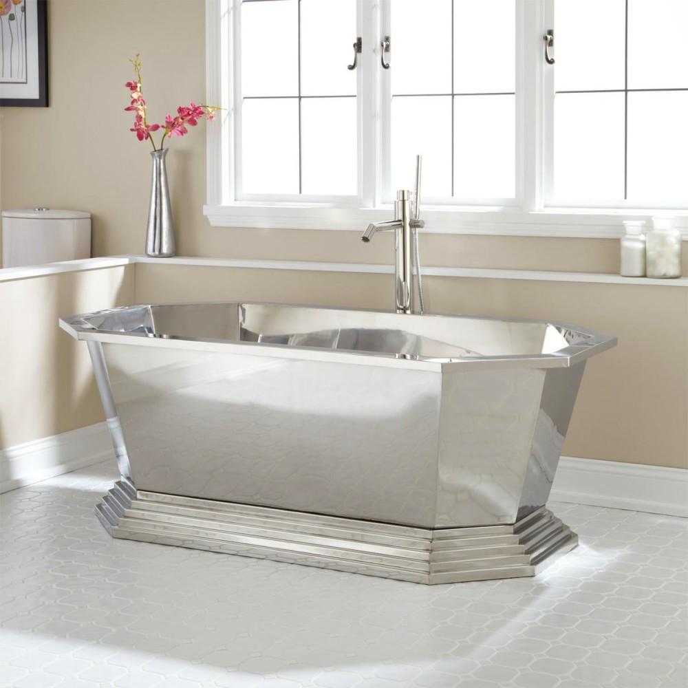 Ванная в цветах: серый, светло-серый, белый. Ванная в стилях: минимализм, экологический стиль.