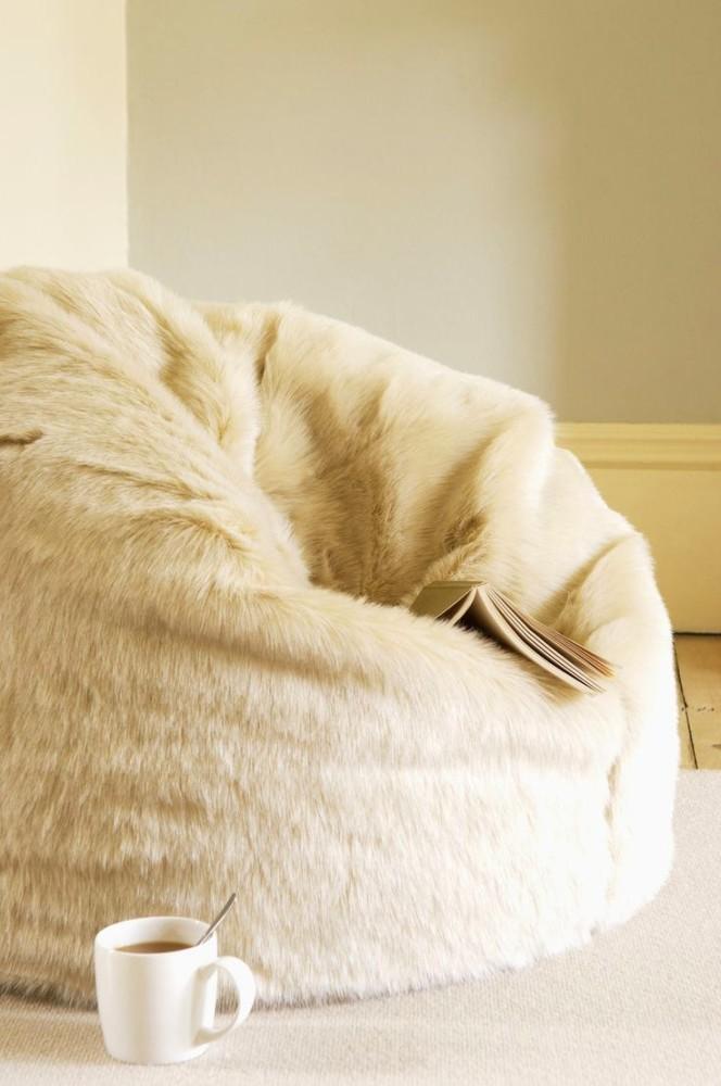 Мебель и предметы интерьера в цветах: светло-серый, белый, бежевый. Мебель и предметы интерьера в стиле минимализм.