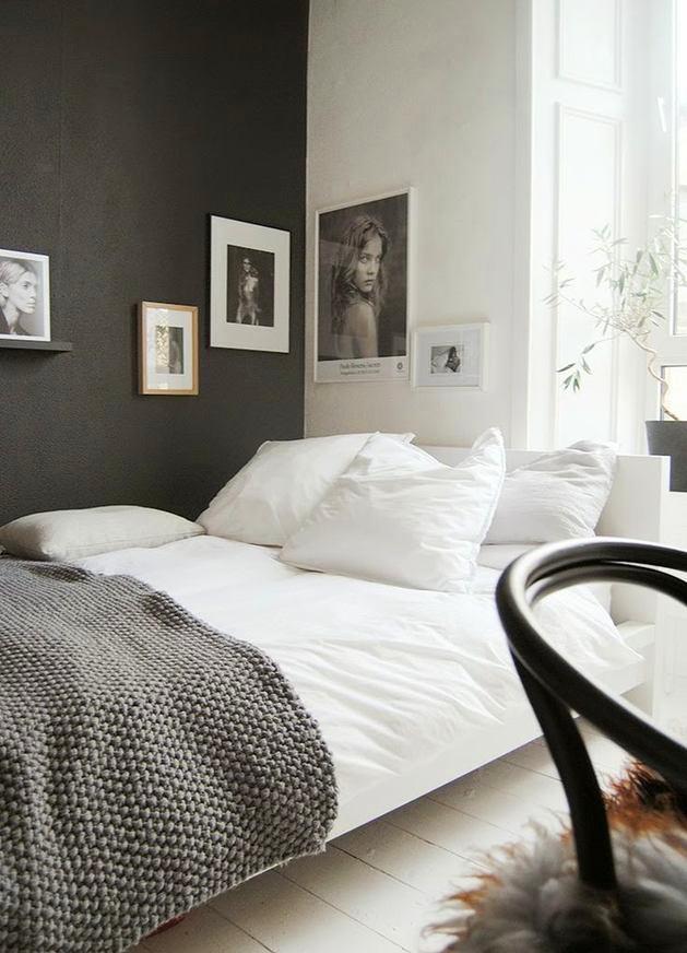 Фото в цветах: черный, серый, светло-серый, белый. Фото в .