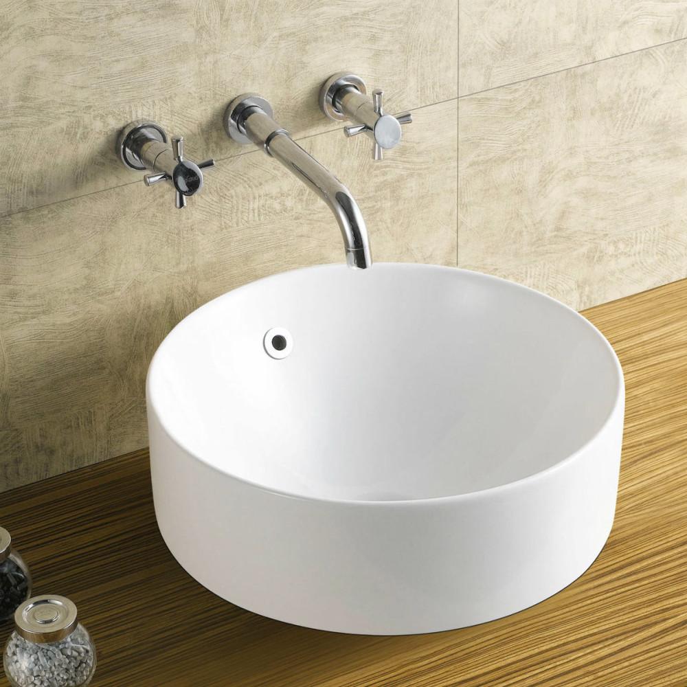 Ванная в цветах: светло-серый, белый, темно-зеленый, бежевый. Ванная в стиле арт-деко.