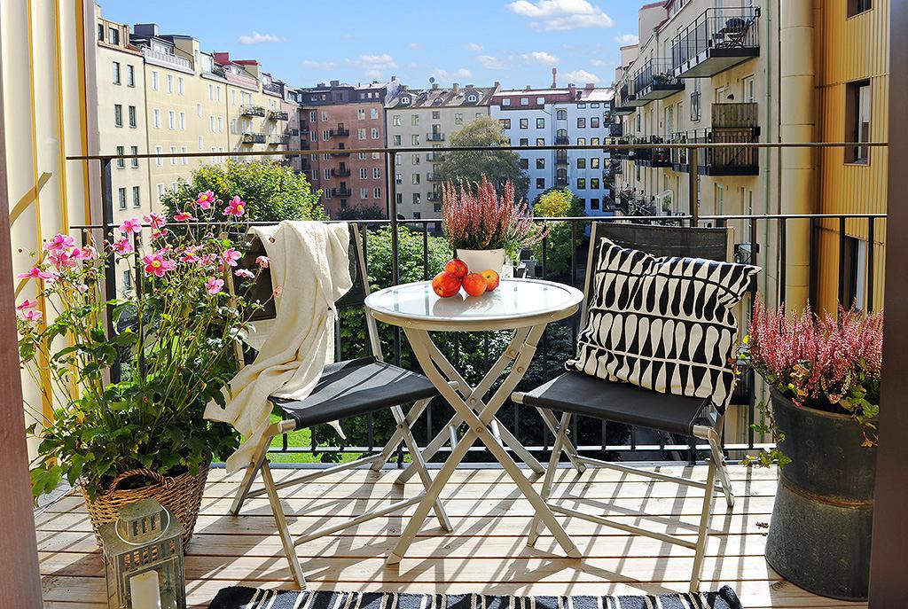 Маленький балкон: 28 идей летнего декора / surfingbird - про.