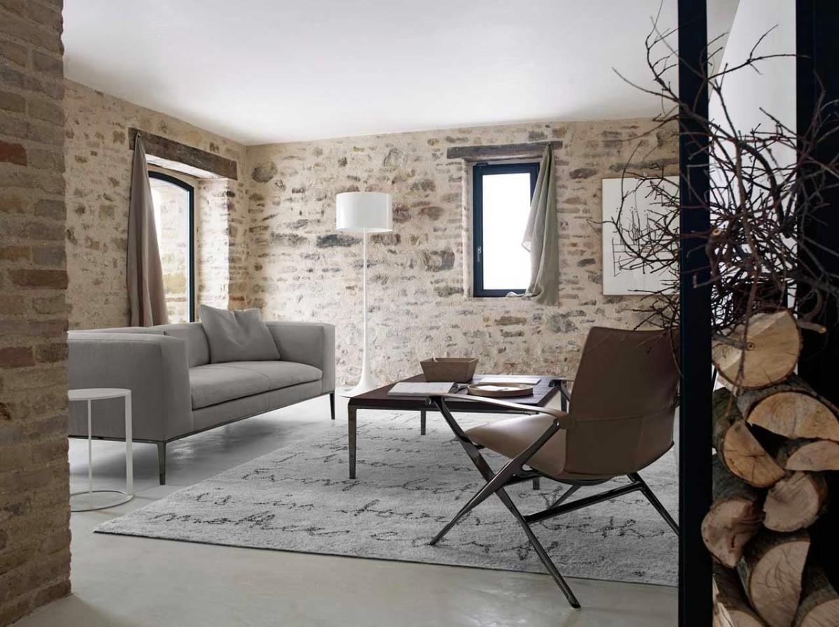 Гостиная, холл в цветах: черный, серый, светло-серый, белый, коричневый. Гостиная, холл в стиле экологический стиль.