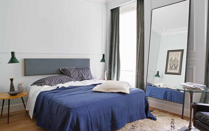 Спальня в цветах: фиолетовый, серый, белый. Спальня в стиле скандинавский стиль.