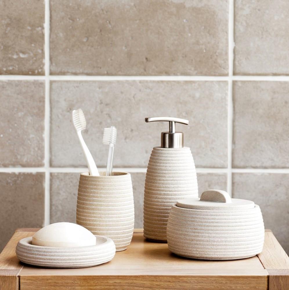 Туалет в цветах: серый, светло-серый, белый, коричневый, бежевый. Туалет в стиле экологический стиль.