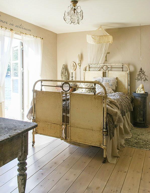 Мебель и предметы интерьера в цветах: светло-серый, темно-зеленый, темно-коричневый, коричневый, бежевый. Мебель и предметы интерьера в стилях: прованс.