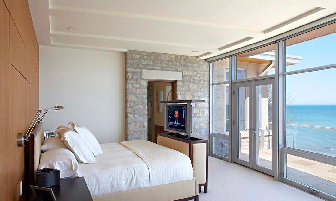 Спальня в цветах: серый, светло-серый, белый, бежевый. Спальня в стиле минимализм.