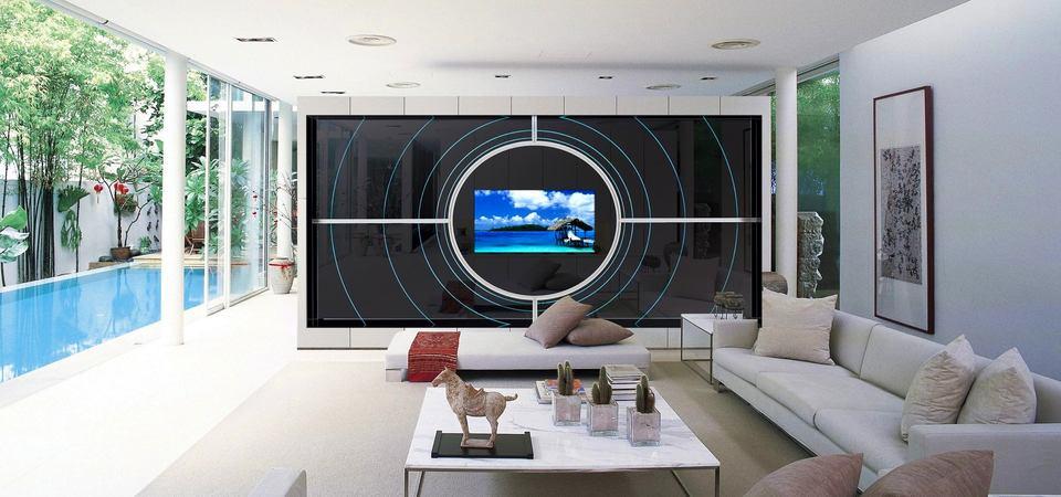 Телевизор в интерьере: надо ли его прятать