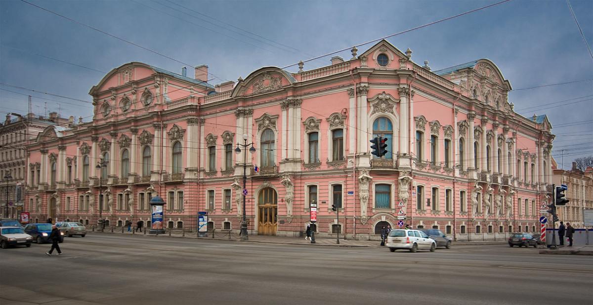 Архитектура в цветах: белый, розовый, коричневый, бежевый. Архитектура в .