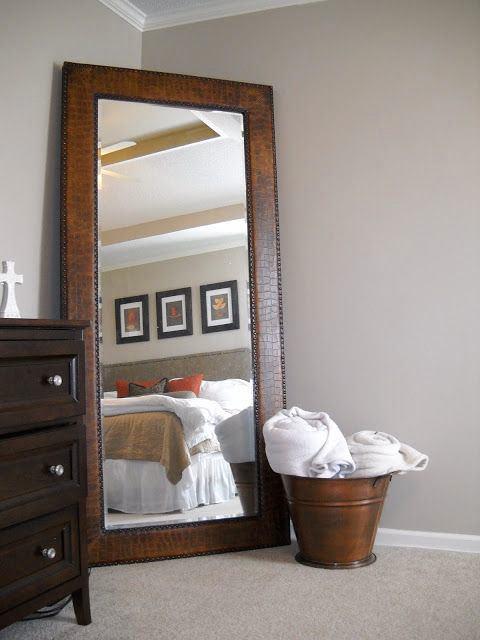 Спальня в цветах: черный, серый, белый, коричневый. Спальня в стиле кантри.