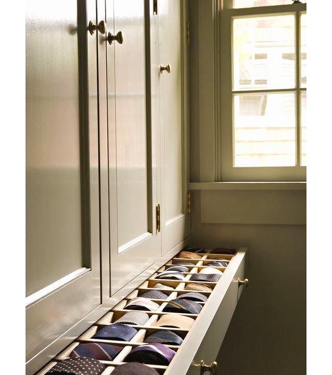 Мебель и предметы интерьера в цветах: серый, светло-серый, темно-зеленый, бежевый. Мебель и предметы интерьера в .