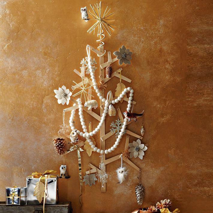 Декор в цветах: желтый, серый, темно-коричневый, коричневый, бежевый. Декор в стиле эклектика.