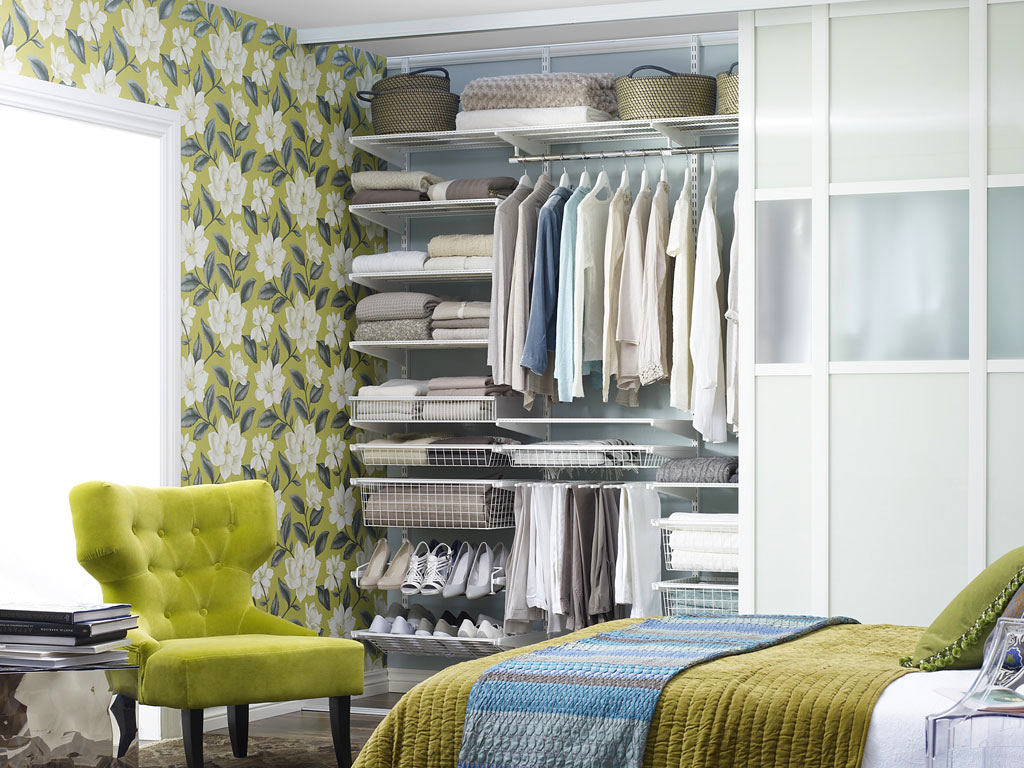 Спальня в цветах: серый, светло-серый, бежевый. Спальня в .