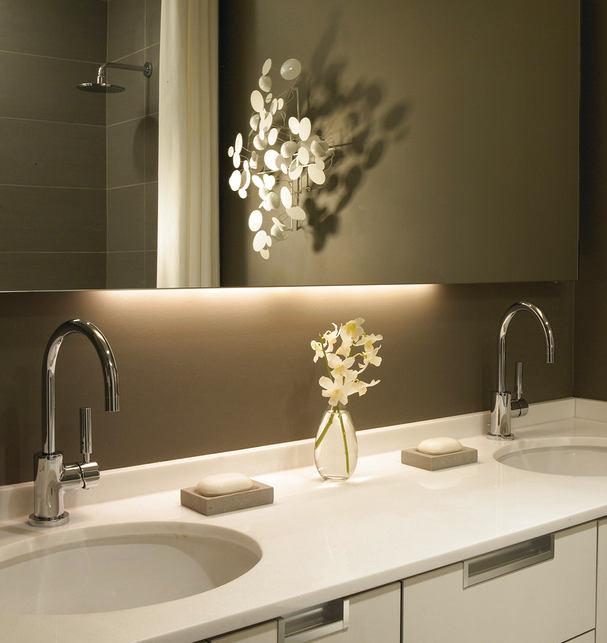 Туалет в цветах: светло-серый, темно-зеленый, коричневый, бежевый. Туалет в стиле дальневосточные стили.