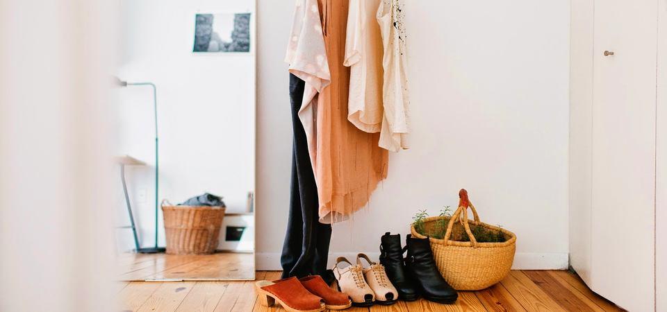 Нет места для шкафа: 5 идей и 25 примеров хранения вещей