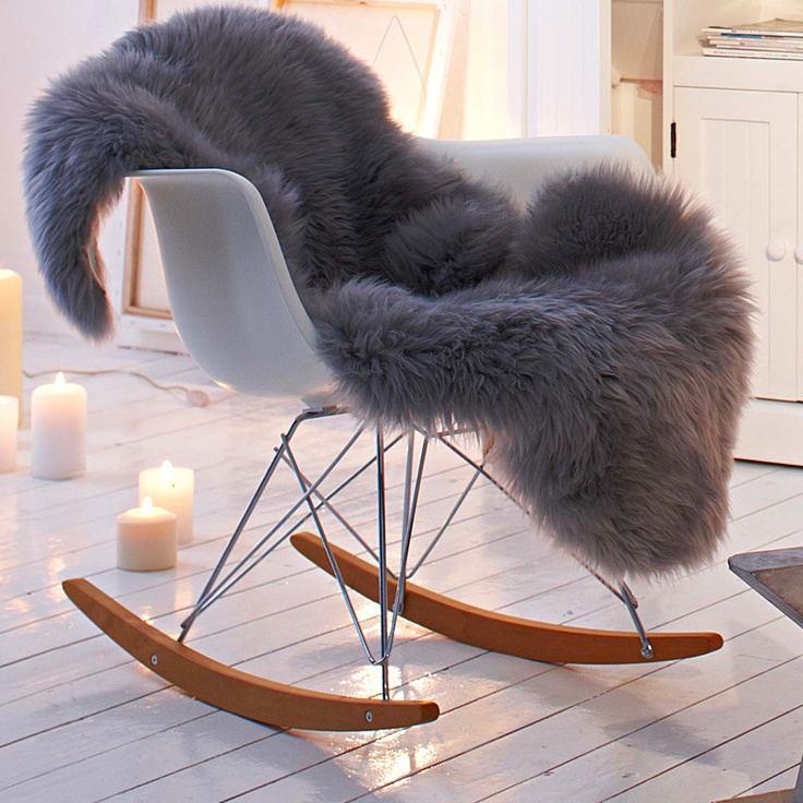 Мебель и предметы интерьера в цветах: желтый, серый, светло-серый, белый. Мебель и предметы интерьера в стиле скандинавский стиль.