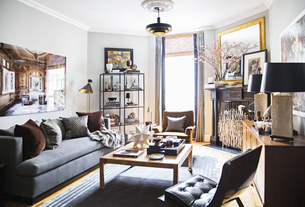 Гостиная, холл в цветах: желтый, черный, серый, светло-серый, белый. Гостиная, холл в стилях: эклектика.