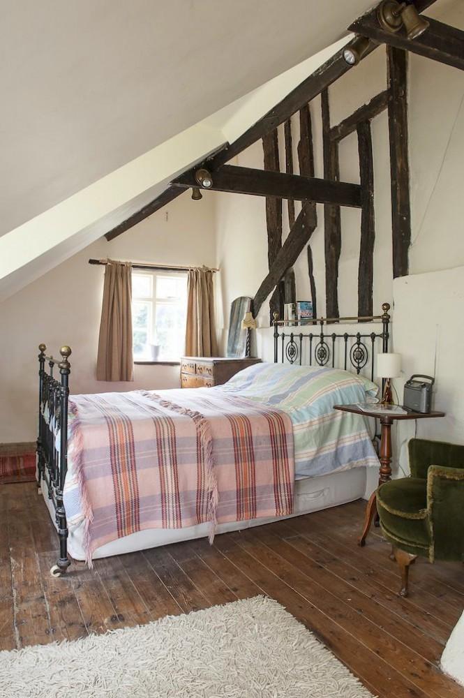 Спальня в цветах: серый, светло-серый, белый, бежевый. Спальня в стиле английские стили.