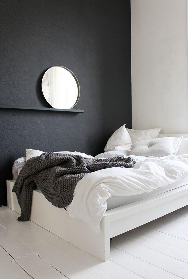 Спальня в  цветах:   Бежевый, Светло-серый, Серый, Синий, Черный.  Спальня в  стиле:   Минимализм.