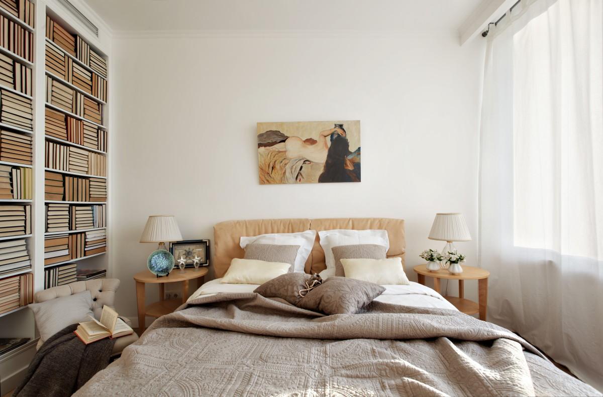 Спальня в  цветах:   Бежевый, Белый, Коричневый, Светло-серый, Темно-коричневый.  Спальня в  стиле:   Минимализм.