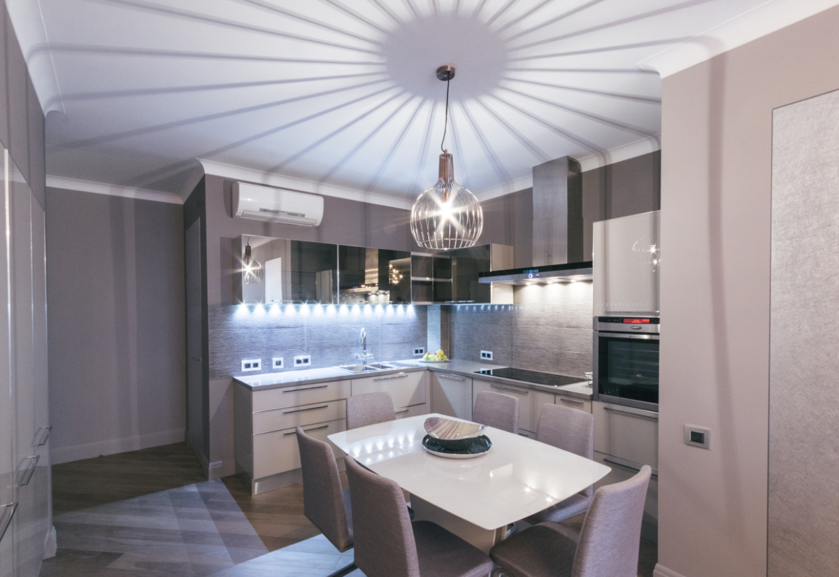 Кухня/столовая в  цветах:   Светло-серый, Серый.  Кухня/столовая в  стиле:   Минимализм.