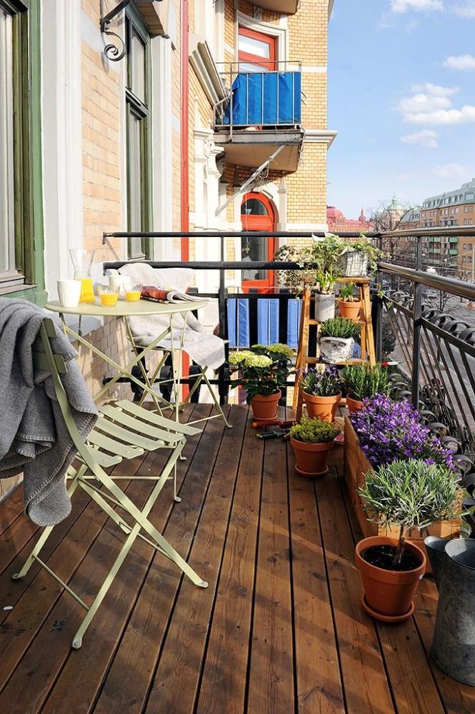 Балкон в  цветах:   Бежевый, Коричневый, Светло-серый, Темно-коричневый, Черный.  Балкон в  стиле:   Скандинавский.