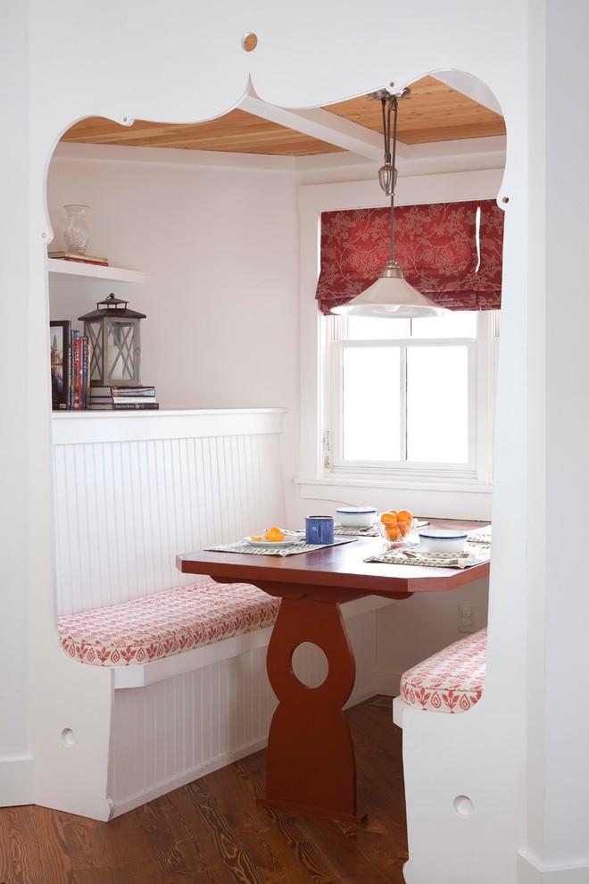 Кухня/столовая в  цветах:   Бежевый, Белый, Коричневый, Светло-серый, Темно-коричневый.  Кухня/столовая в  стиле:   Кантри.