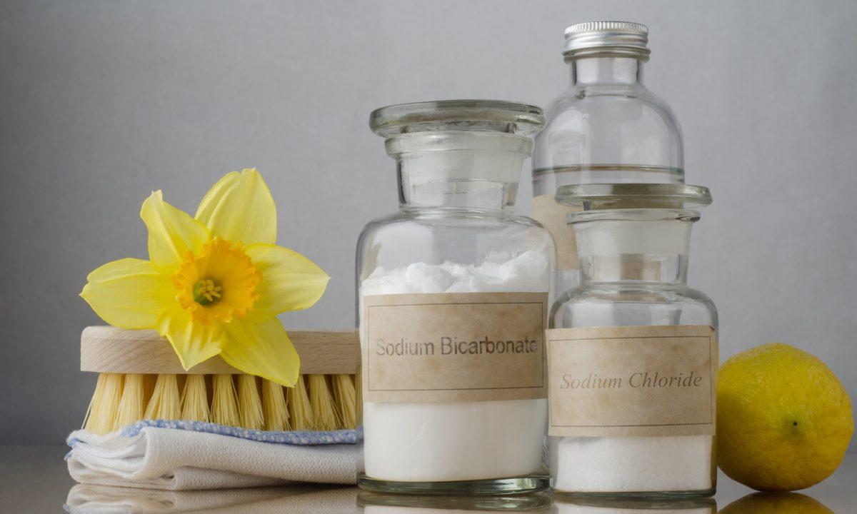 5 экосредств для уборки, которые заменят вам шкаф с химией